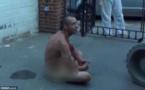 Angleterre : un raciste se met tout nu et effraye des musulmans
