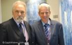 Juifs, musulmans et chrétiens prient ensemble à l'aéroport