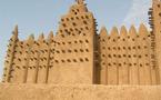 Les travaux de restauration de la Grande Mosquée de Djenné se poursuivent malgré de violentes intempéries