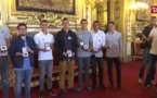 Des ados rendent 4 000 euros trouvés dans le RER : médaillés de la citoyenneté au Sénat