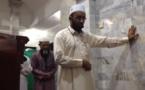 Indonésie : en plein séisme, un imam continue de diriger la prière plutôt que de fuir (vidéo)