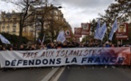 A Paris, un défilé raciste et xénophobe pour manifester « contre l'islamisme »
