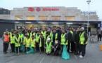 Plus de 1 500 jeunes musulmans ont nettoyé les rues de villes britanniques pour le Nouvel an 2020
