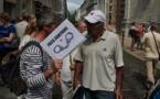 Des protestataires contre le passe sanitaire se sont rassemblés partout en France durant l'été 2021, ici dans les rues de Besançon lors d'une manifestation le 24 juillet 2021. © Jordan Bracco / CC BY-NC 2.0