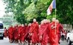 En Birmanie, les bonzes à nouveau dans la rue