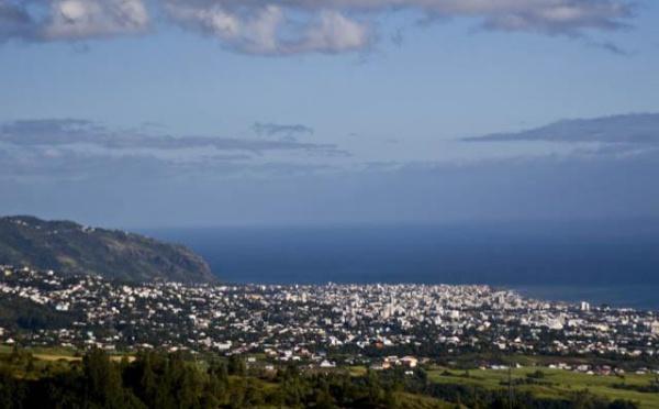 Ile de la Réunion : les lycéennes exclues à cause de leur foulard ont repris les cours