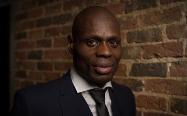 A vif : Kery James enfile avec brio le costume d'avocat des banlieues