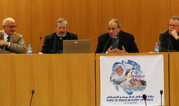 Le pape François à la rencontre des coptes et des musulmans en Egypte