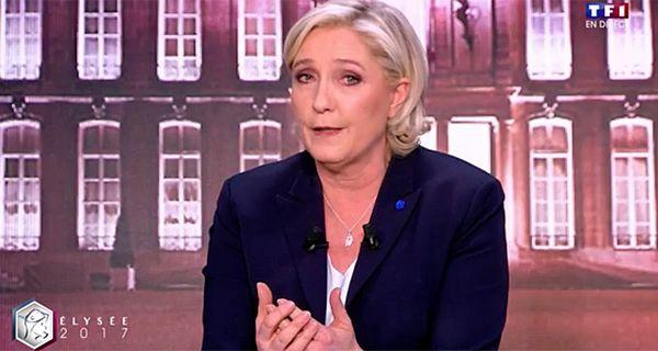 Non, Emmanuel Macron n'est pas « entre les mains » de l'UOIF