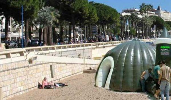 Intox : Non, les mosquées gonflables n'envahissent pas les plages algériennes et françaises