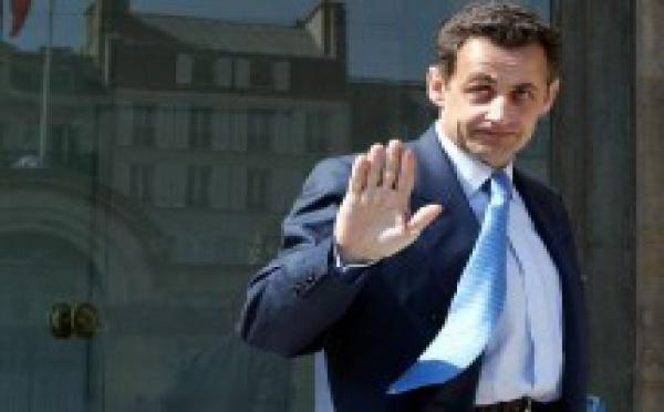 Sarkozy fait des promesses à la Courneuve