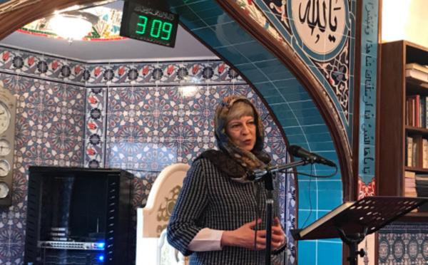 Grande-Bretagne : Theresa May, Jeremy Corbyn et Sadiq Khan accueillis dans les mosquées