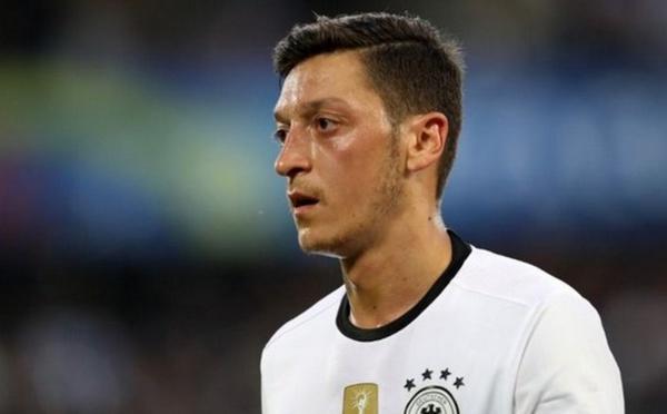Mesut Özil quitte la Mannschaft, refusant d'être un bouc émissaire de sa défaite au Mondial 2018
