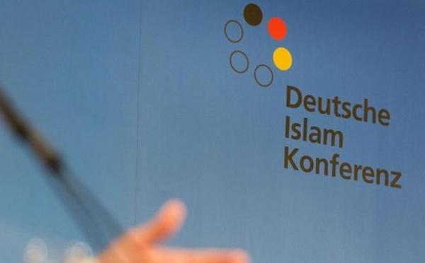Allemagne : le ministre de l'Intérieur change de ton envers les musulmans