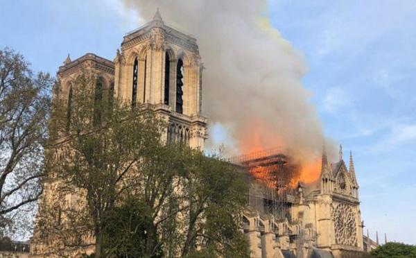 Incendie de Notre-Dame : les expressions de solidarité des musulmans affluent, témoins d'une émotion générale