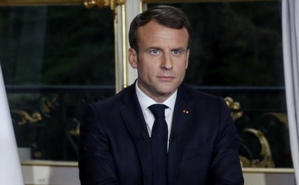 Laïcité : « Le port du voile dans l'espace public n'est pas mon affaire », dixit Macron