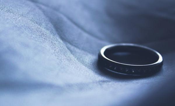 Anissa : « Il a déposé mes affaires dans le couloir du domicile conjugal sans aucun respect »