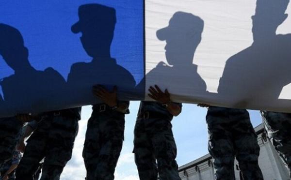 Vers une « guerre civile » en France ? L'inquiétante tribune des généraux fait bondir