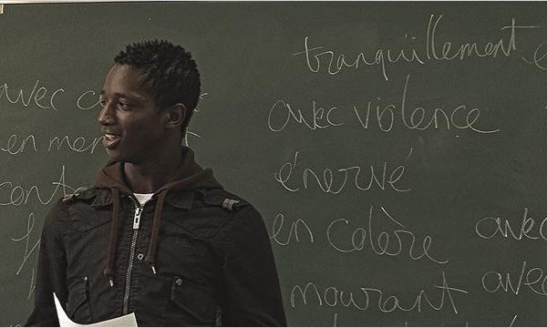 Enfants valises : la langue française, passeport pour l'intégration