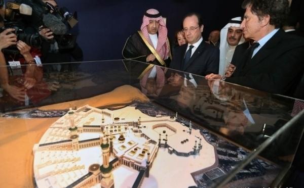 Hollande : la France « attentive » aux besoins des pèlerins du Hajj
