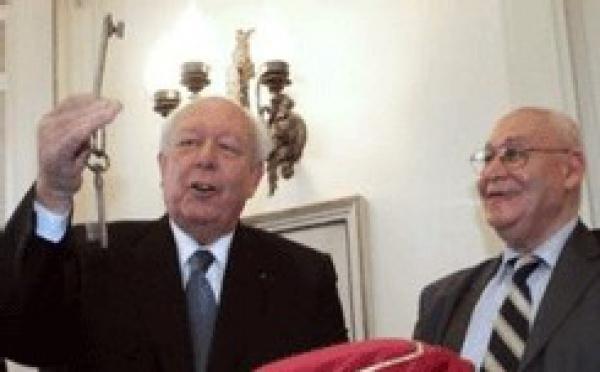 Mosquée de Marseille: le maire remet les clefs