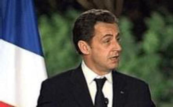 Harkis: Sarkozy souhaite que la France honore sa dette