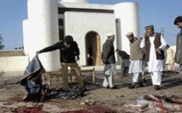 Pakistan: attentat suicide dans une mosquée