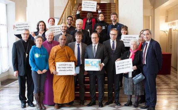 COP21 : des pétitions religieuses pour la justice climatique remises à l'Elysée