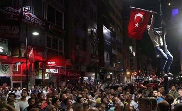 Comment la Turquie d'Erdogan a évité un scénario à l'égyptienne