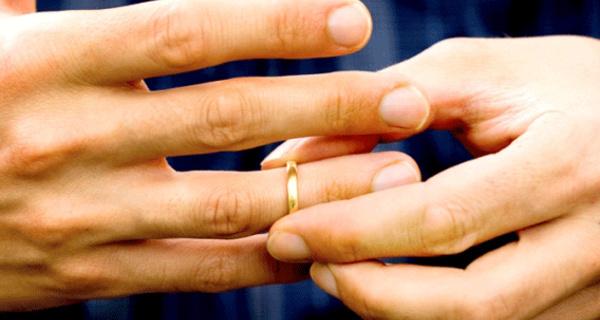 Fouzia : « Je suis éperdument amoureuse d'un homme, il a épousé sa cousine ! »