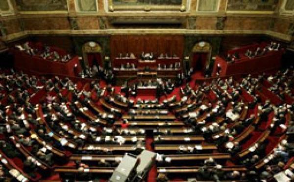 Le Parlement adopte à Versailles la réforme de la Constitution