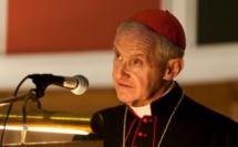 Né le 5 avril 1943 à Bordeaux (France), le cardinal Jean-Louis Tauran s'est éteint le 5 juillet 2018 à Meriden (États-Unis). Ici, celui qui fut président du Conseil pontifical pour le dialogue interreligieux de 2007 à 2018 est invité à l'évènement « Together in Prayer for Peace », en juin 2013. En présence de représentants baha'is, bouddhistes, jaïns, hindous, juifs, musulmans, sikhs, zoroastriens et chrétiens, il prononce le discours de clôture dans la cathédrale de Westminster. (© Mazur/Catholic News)