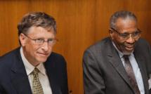 Bill Gate, coprésident de la fondation Bill & Melinda Gates, et Ahmad Mohamed Ali Al-Madani, président de la Banque islamique du développement, se sont associés, via un fonds conjoint, pour lutter contre la pauvreté dans les pays musulmans.