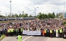Magnanville : à l'appel des mosquées mantaises, 5 000 personnes manifestent